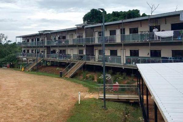 Le camp de réfugiés sur l'île de Manaus (Papouasie Nouvelle-Guinée)
