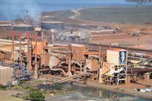 Vue de l'usine SLN à Doniambo.