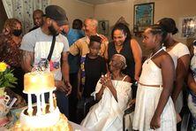 Un anniversaire en famille pour les 100 ans de Joséphine Louna-Mathurin veuve Drayton