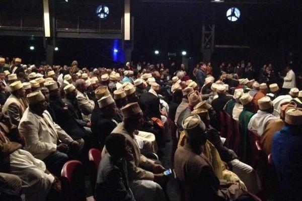 Comoriens et Mahorais au Dock des Suds