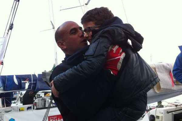 Une dernière bise à Léo, le petit parrain du bateau