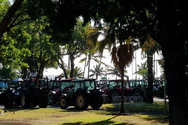 20170704 Tracteurs au Barachois