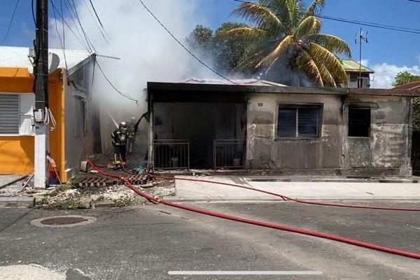 incendie habitation Petit-Bourg