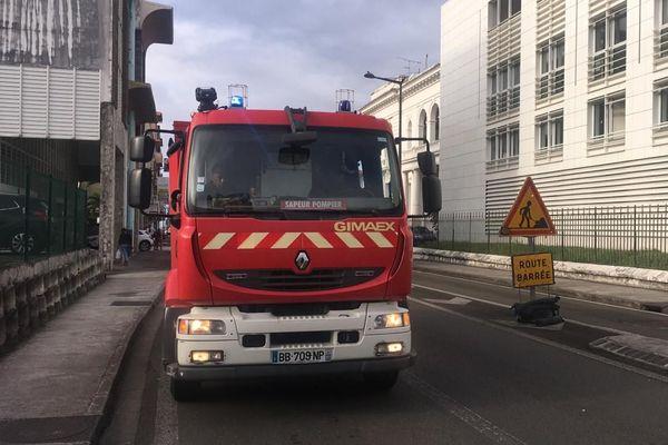 Pompiers devant préfecture