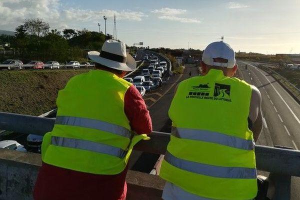 17 novembre mobilisation des gilets jaunes fin de journée au Port 171118