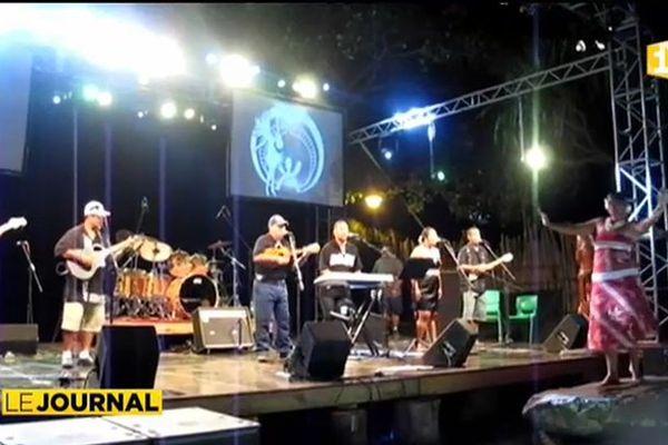 Une cinquantaine de musiciens sur scène à Taihoae