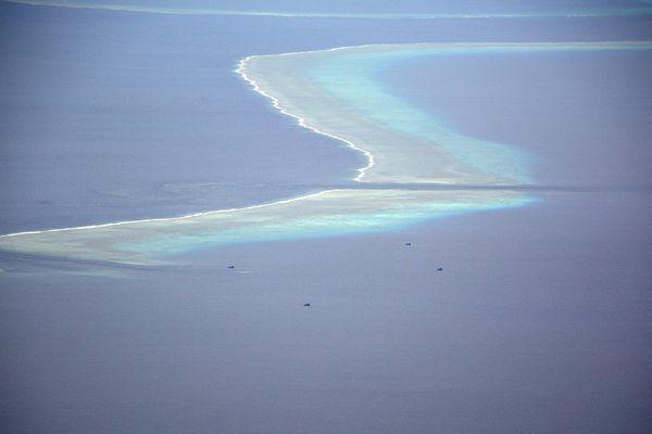 blue boats salomon