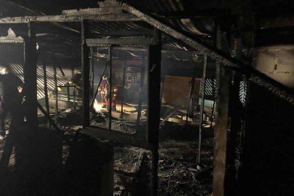 Incendie à Chekepati à Saint-Laurent