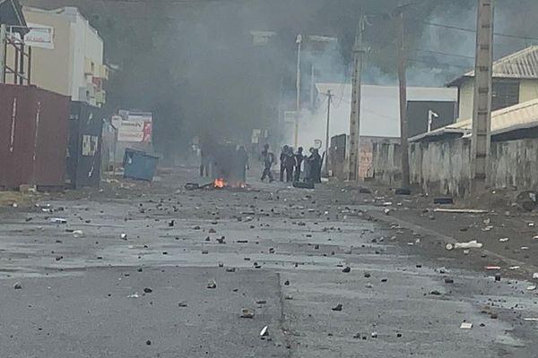 Affrontements jeunes et forces de l'ordre à Kawéni, commune de Mamoudzou