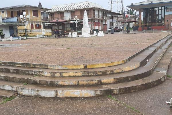 La place Romain Garros à Saint-Georges désertée ce 17 mars