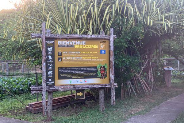 Entrée du zoo de Montsinéry