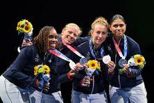 Anita Blaze, Astrid Guyart, Pauline Ranvier et Ysaora Thibus médaillée d'argent aux Jeux Olympiques du Tokyo en 2021.