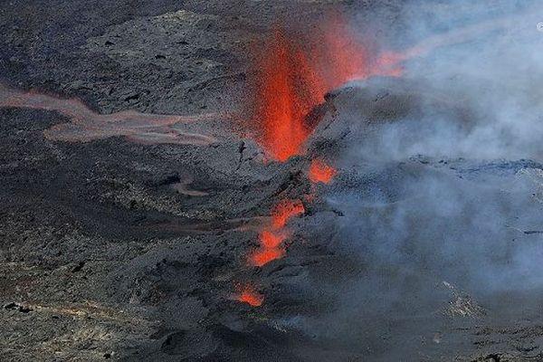 L'éruption du 15 septembre au Piton de la Fournaise.