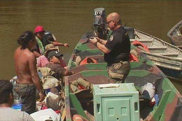 Opération de contrôle sur le fleuve (archives)
