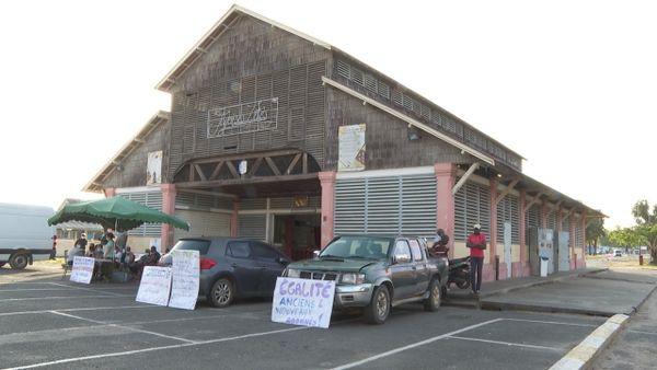 Les agriculteurs de l'ouest boycottent le marché de Saint-Laurent du Maroni