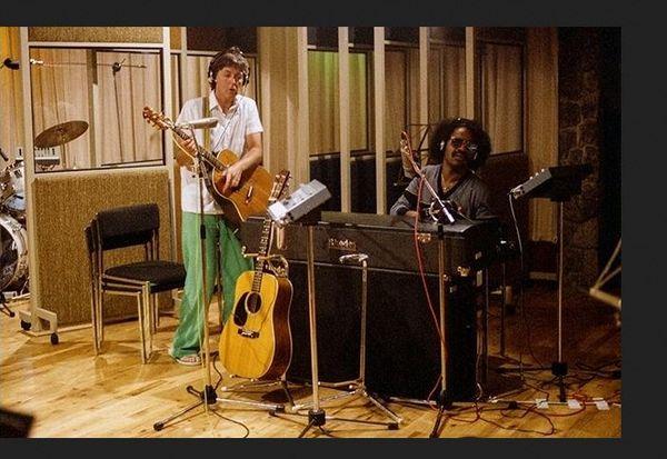 Paul McCartney et Stevie Wonder à Air Studios à Montserrat