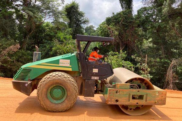 3 entreprises travaillent sur le chantier de la piste
