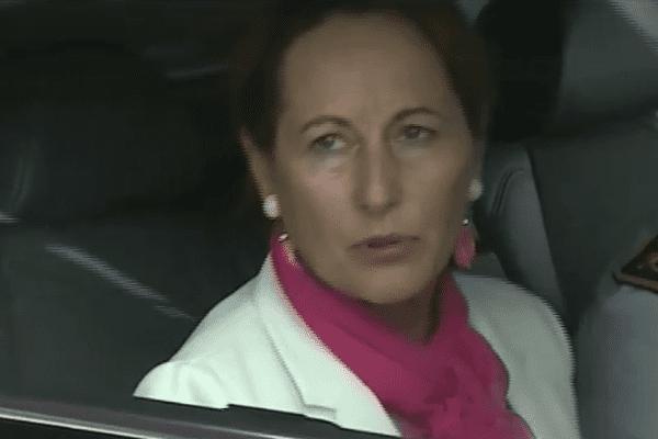 Ségolène Royal à son arrivée à l'aéroport Félix Eboué