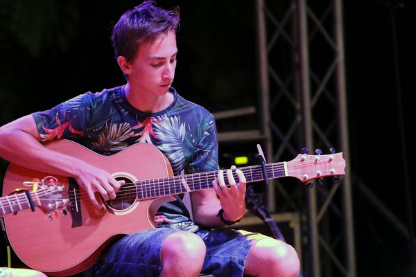 Julian, candidat #4 au concours Guitare club 2019