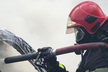 21 sapeurs-pompiers luttent contre un incendie sur le site du Galion.