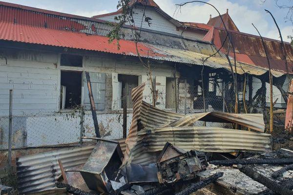 Un incendie ravage un établissement désaffecté de la F.O.L
