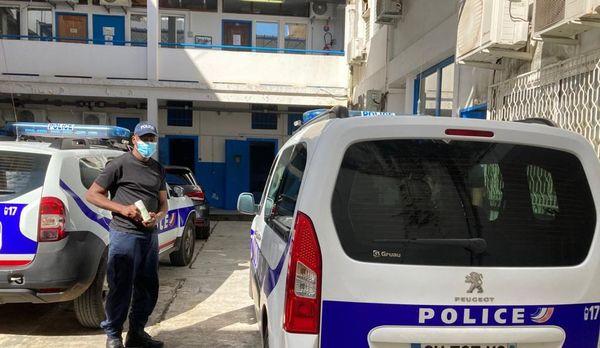 Décontamination des véhicules de la police de Cayenne