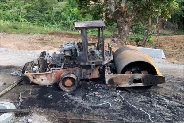 Morne-Vert / engin incendié sur un chantier / BTP