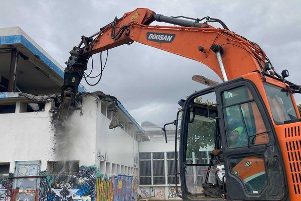 Démolition de l'ancienne bibliothèque nationale de prêt Saint-Denis