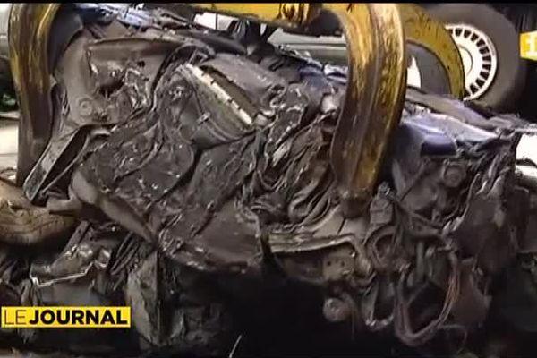 Lancement de l'opération recyclage des carcasses de voitures à Tahiti