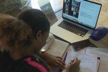 Lycéens en pleine révision en Martinique.