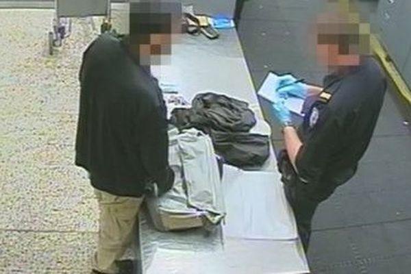 L'homme a été arrêté alors qu'il tentait d'entrer à Melbourne