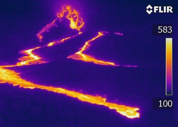 Vue thermique de l'éruption février 2020