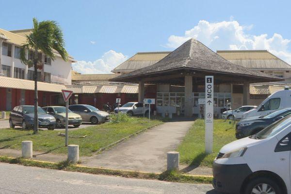 Le parking du Centre hospitalier de Cayenne