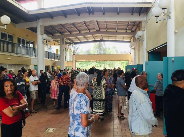 Référendum 2020, vote, file d'attente à Païta