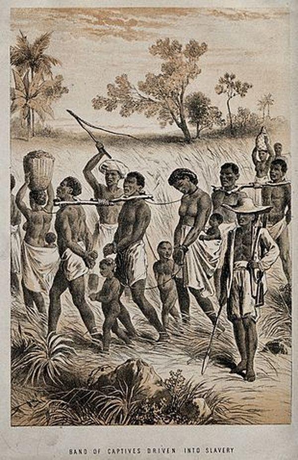 Groupe d'hommes et femmes capturés afin d'être vendus comme esclaves