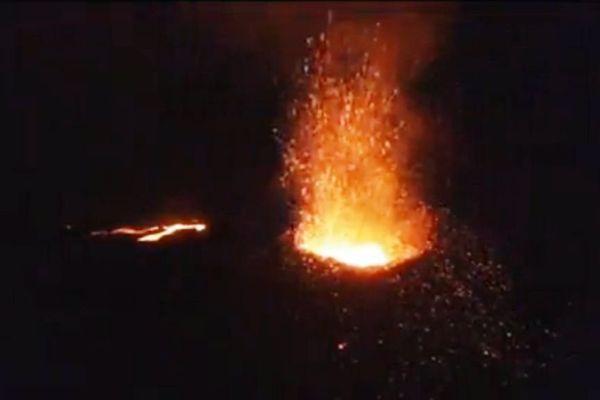 Eruption nocturne drone mai 2015
