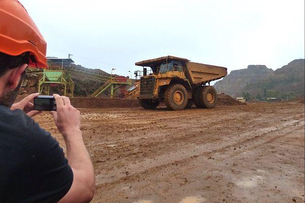 Le temps pluvieux de samedi n'a pas empêché les visites guidées à la mine SLN du Plateau.
