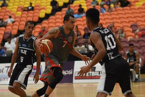 Raymond Weber et ses coéquipiers ont frappé un grand coup pour leur entrée en Melanesian Cup.