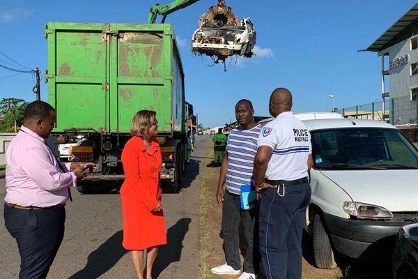 La maire de Cayenne au quartier Bonhomme
