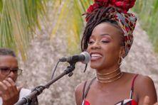 Perle Lama chante Mwen tombé love pour la nouvelle émission musicale du portail des Outre-mer