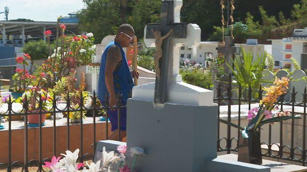 Uranie, Saint-Hilaire : dans les cimetières, les enterrements se font à la chaîne