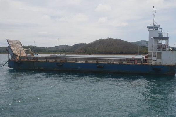 Ancienne barge de Mayotte