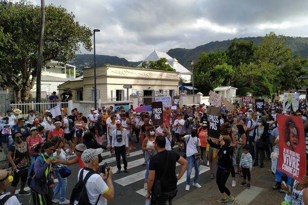 Manifestation anti passe sanitaire à Saint-Denis