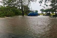 Les fortes averses qui se sont abattues sur la région du Sud de l'île ont rapidement gorgé les sols d'eau et occasionné de nombreuses crues.