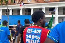 Manifestation d'une intersyndicale d'EDF Guyane contre le projet Hercule