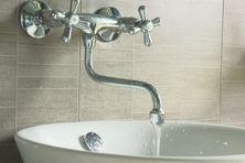 La population de Saint-Pierre invitée à limiter sa consommation en eau potable. La ville étant approvisionnée avec un seul réservoir en raison de travaux menés sur la barrage de l'étang de la Vigie.