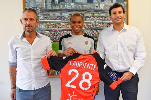 Armand Lorienté, d'origine guadeloupéenne, a signé au FC Lorient pour quatre ans.