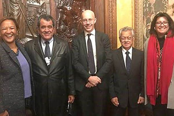 Edouard Fritch, Gaston Tong Sang, Maina Sage et Lana Tetuanui ont rencontré le conseiller à l'outremer d'Emmanuel Macron