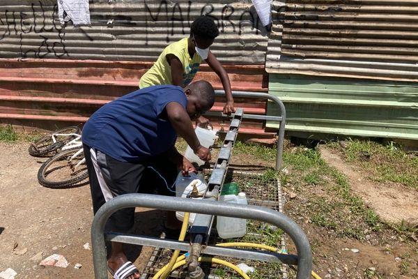 Une rampe de distribution d'eau gratuite installée à Cogneau-Lamirande