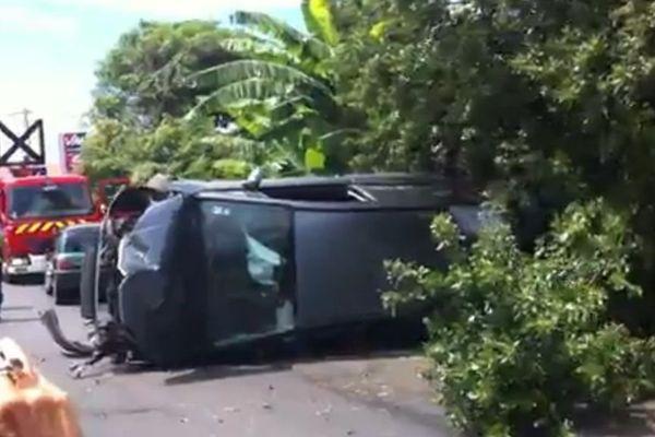 Accident spectaculaire à Sainte-marie